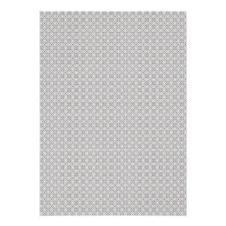 Flores grises majestuosas en fondo blanco áspero anuncios personalizados