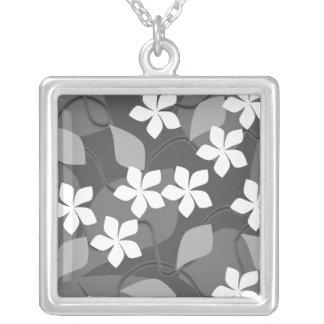 Flores grises y blancas. Modelo floral Colgante Cuadrado