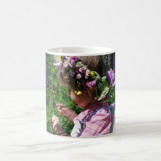 Flores hadas taza básica blanca