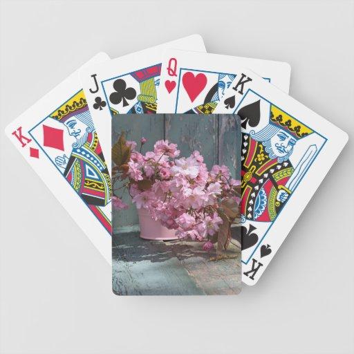 Flores hermosas de la cereza de los japanes en el  barajas de cartas