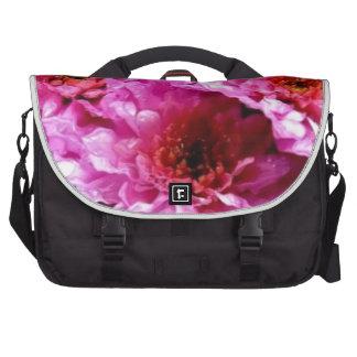 flores mojadas rosadas bolsas de ordenador