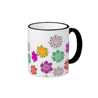 Flores multicoloras decorativas taza de café