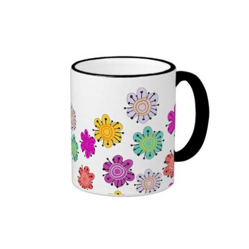 Flores multicoloras decorativas taza a dos colores