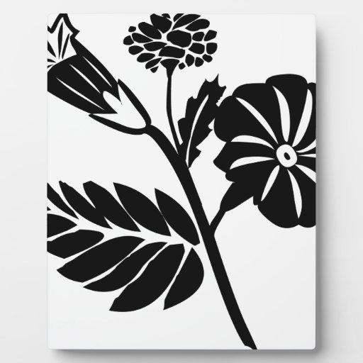 Flores negras placa para mostrar