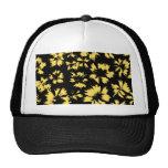 Flores negras y amarillas gorra