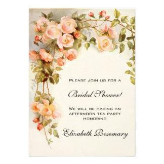 Flores nupciales de los rosas de la antigüedad de invitacion personalizada