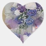 Flores nupciales púrpuras pegatina de corazon personalizadas
