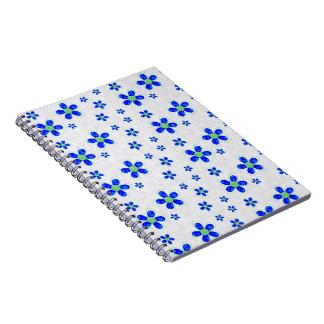 Flores, pétalos, botones - blanco azulverde cuaderno