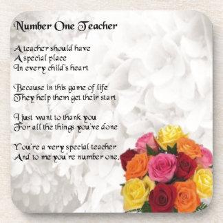 Flores - poema del profesor del número 1 posavasos de bebida