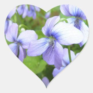 Flores púrpuras bonitas calcomanías corazones