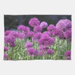 Flores púrpuras del bosque de la primavera del ajo toallas de mano