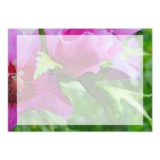 """Flores púrpuras del hisbiscus invitación 5"""" x 7"""""""