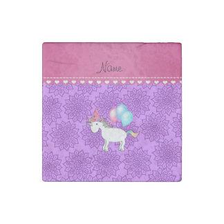 Flores púrpuras en colores pastel del unicornio imán de piedra