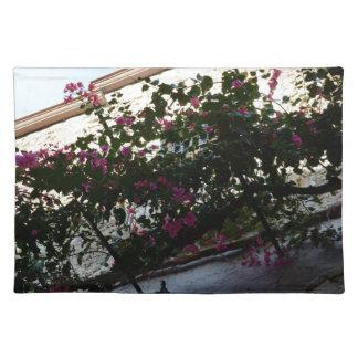 Flores púrpuras en invierno
