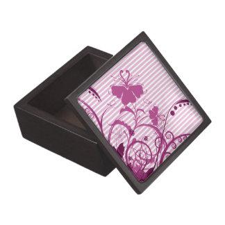Flores púrpuras en rayas cajas de recuerdo de calidad