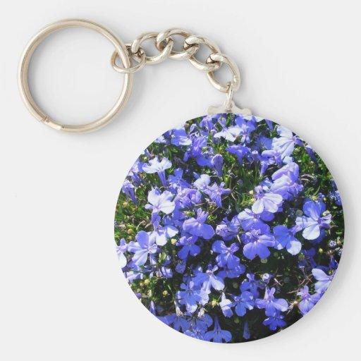 Flores púrpuras llavero redondo tipo pin