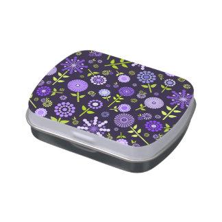 Flores púrpuras oscuras lindas de la primavera