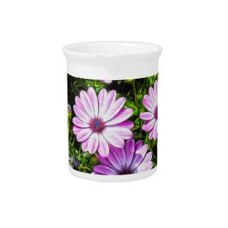 Flores púrpuras pintadas jarras de beber