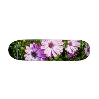 Flores púrpuras pintadas patines personalizados