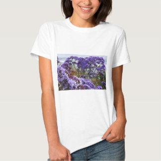 Flores púrpuras remeras