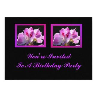 Flores púrpuras rosadas invitación 12,7 x 17,8 cm