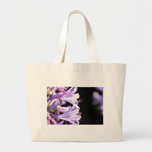 Flores púrpuras suaves del Agapanthus - lirio del  Bolsa Tela Grande