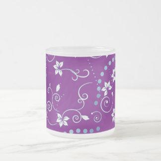 Flores púrpuras taza de café