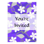 Flores púrpuras y blancas. Modelo floral Comunicados