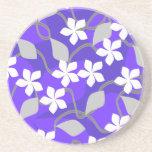 Flores púrpuras y blancas. Modelo floral Posavasos Para Bebidas