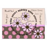 Flores retras de la enfermera de la tarjeta feliz
