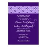Flores retras púrpuras que casan la plantilla F522 Invitacion Personal