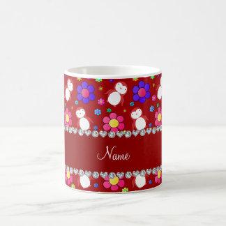 Flores rojas conocidas personalizadas de los taza