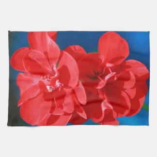 Flores rojas del jardín toallas de cocina