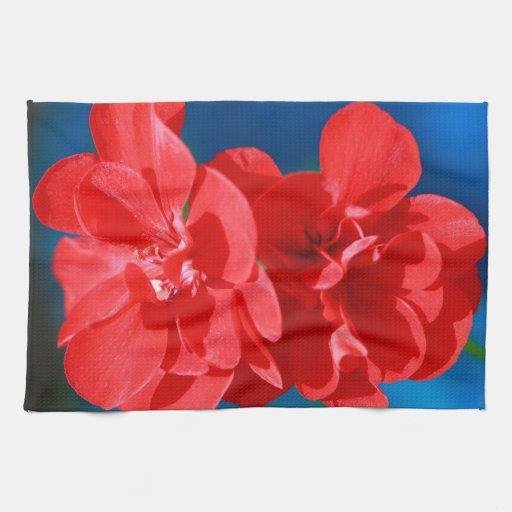 Flores rojas del jardín toallas de mano