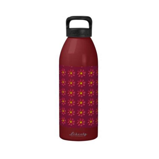 flores rojas en la botella de agua del fondo del v