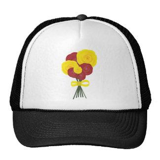 Flores rojas y amarillas gorras de camionero