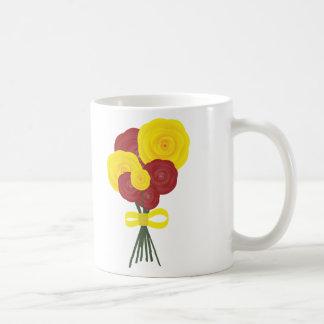 Flores rojas y amarillas taza
