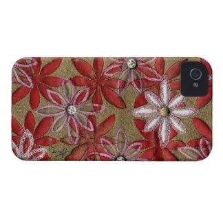 Flores rojas y rosadas acolchadas talladas mano iPhone 4 fundas