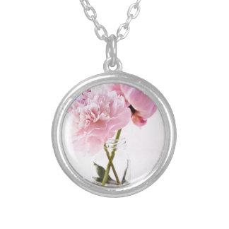 Flores rosadas bonitas colgante redondo