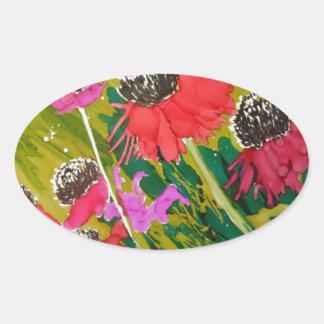 Flores rosadas del cono que se sacuden en la brisa pegatina ovalada