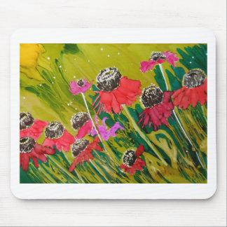 Flores rosadas del cono que se sacuden en la brisa alfombrillas de raton