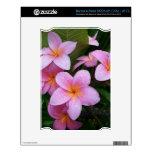 Flores rosadas del Plumeria de Hawaii Calcomanía Para El NOOK