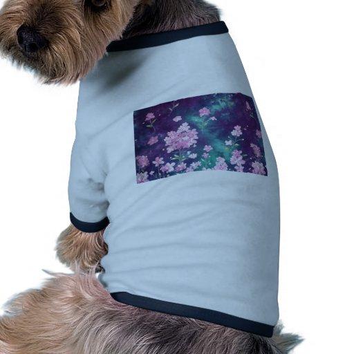 Flores rosadas del vintage en fondo Púrpura-Verde Camiseta Con Mangas Para Perro