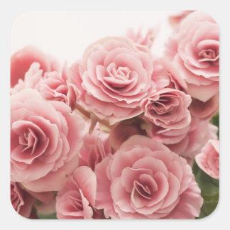 Flores rosadas delicadas calcomania cuadradas personalizadas
