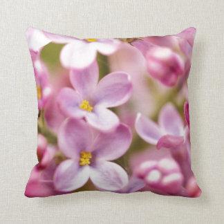 Flores rosadas hermosas de la orquídea cojín decorativo