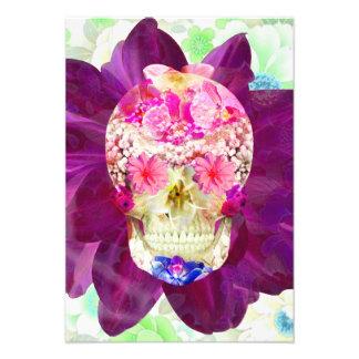 Flores rosadas lindas del trullo del cráneo floral anuncios personalizados