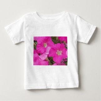 Flores rosadas oscuras t-shirt
