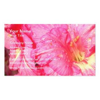 Flores rosadas rizadas rosa plantillas de tarjeta de negocio