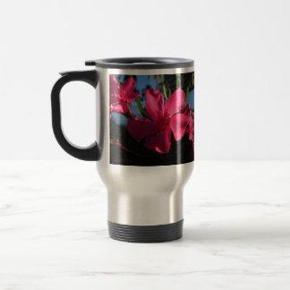 Flores rosadas taza térmica