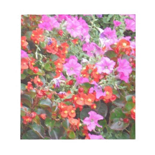 Flores rosadas y anaranjadas libreta para notas